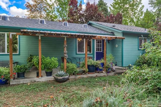 2286 Camp Baker Road, Medford, OR 97501 (MLS #220133911) :: Vianet Realty