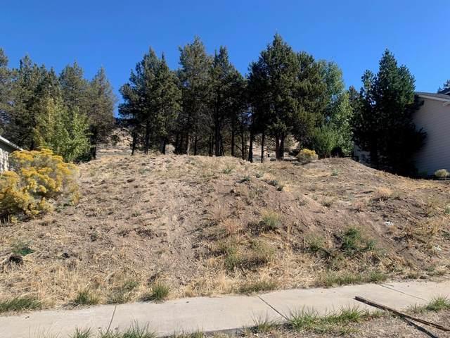 1415 Red Bud Drive, Klamath Falls, OR 97601 (MLS #220133934) :: Oregon Farm & Home Brokers