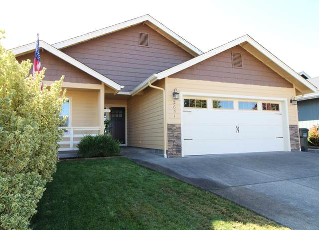 2651 Raydean Drive, Grants Pass, OR 97527 (MLS #220133936) :: Coldwell Banker Sun Country Realty, Inc.