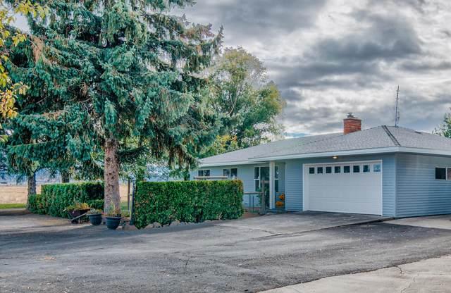 2595 SW Culver Highway, Madras, OR 97741 (MLS #220133950) :: Chris Scott, Central Oregon Valley Brokers