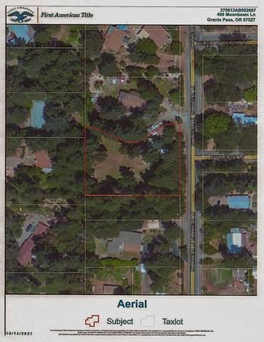 496 Moonbeam Lane, Grants Pass, OR 97527 (MLS #220133960) :: The Ladd Group