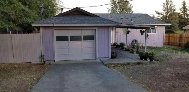 275 NE 9th Street, Madras, OR 97741 (MLS #220133965) :: Chris Scott, Central Oregon Valley Brokers