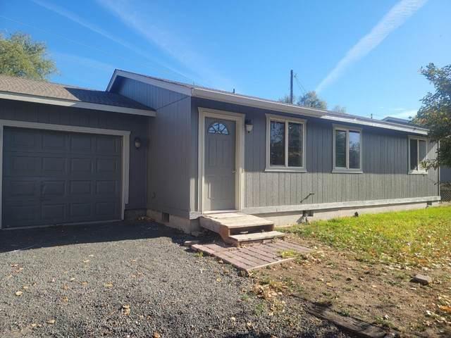 556 SE 10th Street, Madras, OR 97741 (MLS #220133970) :: Chris Scott, Central Oregon Valley Brokers