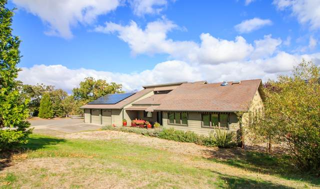 768 Reiten Drive, Ashland, OR 97520 (MLS #220133987) :: Bend Homes Now