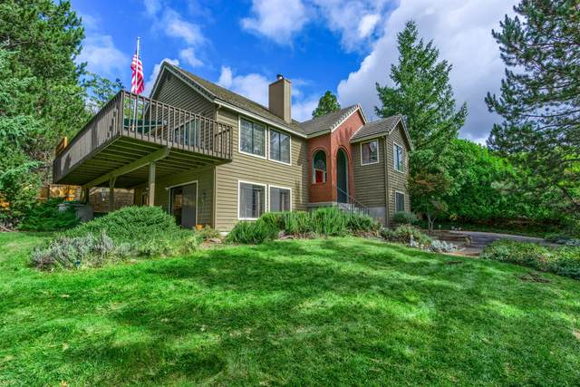 1477 Angelcrest Drive, Medford, OR 97504 (MLS #220134021) :: The Ladd Group