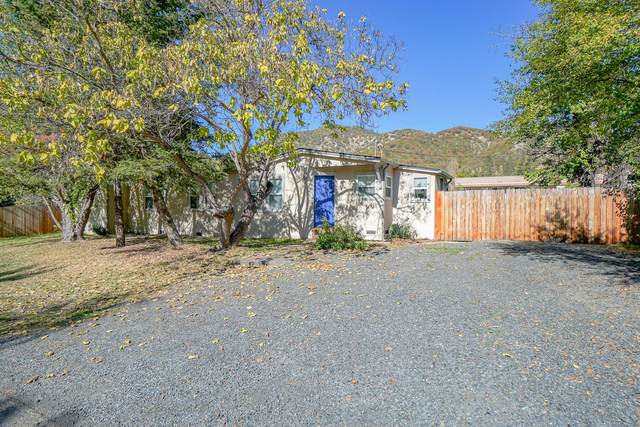 635 First Avenue, Gold Hill, OR 97525 (MLS #220134053) :: FORD REAL ESTATE