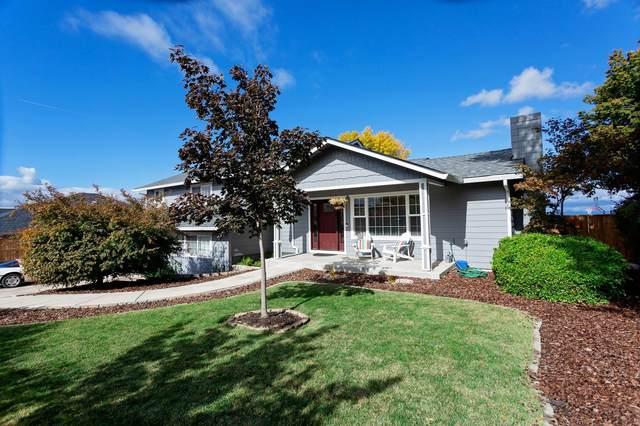 3295 Annapolis Drive, Medford, OR 97504 (MLS #220134062) :: Vianet Realty