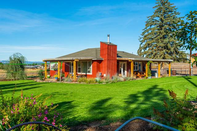 6902 SW Copley Road, Powell Butte, OR 97753 (MLS #220134124) :: Berkshire Hathaway HomeServices Northwest Real Estate