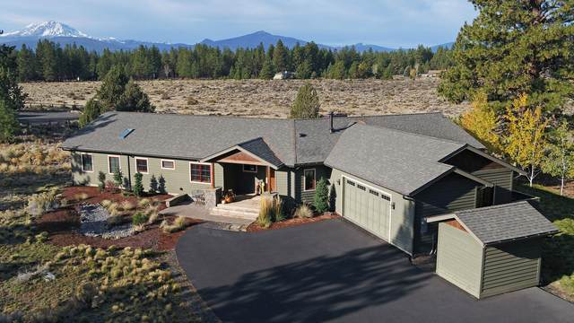 69707 West Meadow Parkway, Sisters, OR 97759 (MLS #220134131) :: The Ladd Group