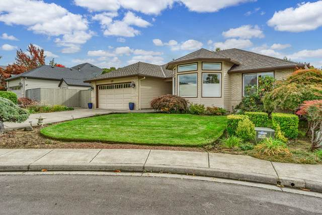 2482 Greenfield Court, Medford, OR 97504 (MLS #220134143) :: The Ladd Group