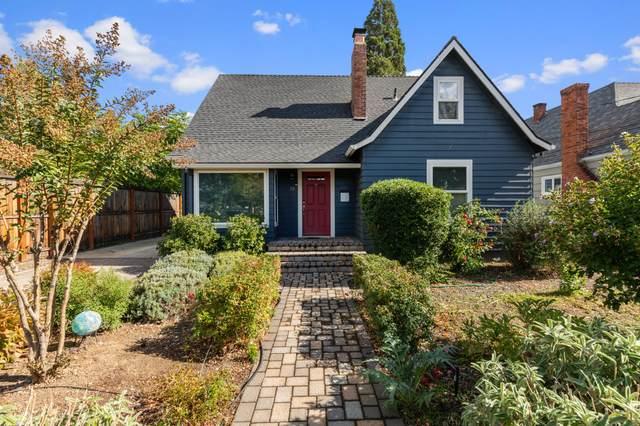 19 Portland Avenue, Medford, OR 97504 (MLS #220134157) :: Vianet Realty
