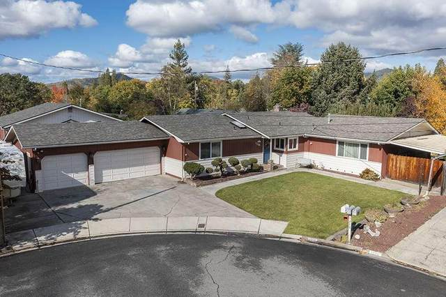 1216 NE Duane Drive, Grants Pass, OR 97526 (MLS #220134172) :: The Ladd Group