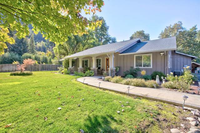 8344 Rogue River Highway, Grants Pass, OR 97527 (MLS #220134175) :: FORD REAL ESTATE