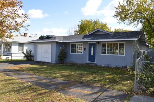2212 Applegate Avenue, Klamath Falls, OR 97601 (MLS #220134207) :: Berkshire Hathaway HomeServices Northwest Real Estate