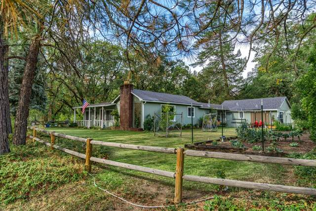 28 Galls Creek Road, Gold Hill, OR 97525 (MLS #220134247) :: FORD REAL ESTATE