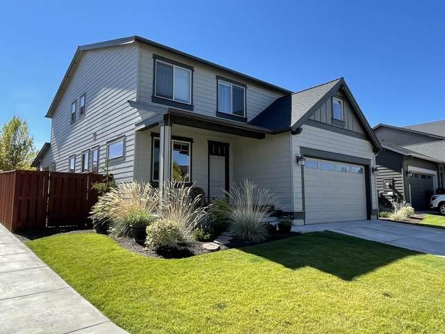 1262 NE Steins Pillar Drive, Prineville, OR 97754 (MLS #220134249) :: Vianet Realty