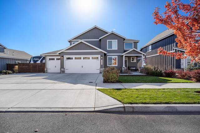 1566 NW Upas Avenue, Redmond, OR 97756 (MLS #220134270) :: Coldwell Banker Bain