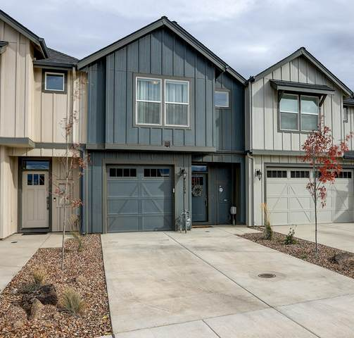 1134 NW Upas Place, Redmond, OR 97756 (MLS #220134282) :: Bend Homes Now