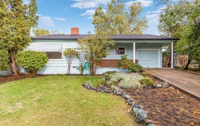 2529 Hillcrest Road, Medford, OR 97504 (MLS #220134306) :: Bend Homes Now