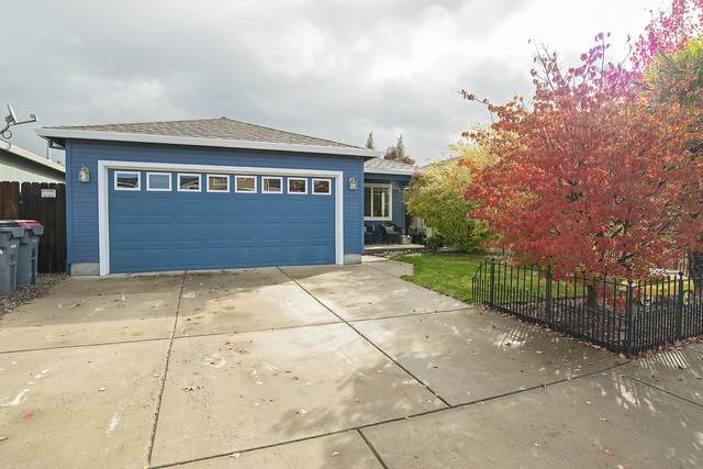 7878 27TH Street, White City, OR 97503 (MLS #220134309) :: Berkshire Hathaway HomeServices Northwest Real Estate