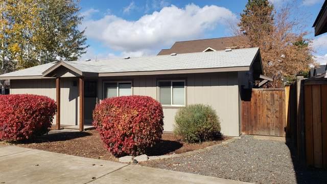 61116 Brown Trout Place, Bend, OR 97702 (MLS #220134311) :: Bend Homes Now