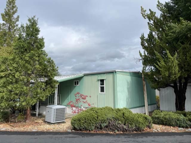 220 Kingsbury Drive, Grants Pass, OR 97526 (MLS #220134320) :: Vianet Realty