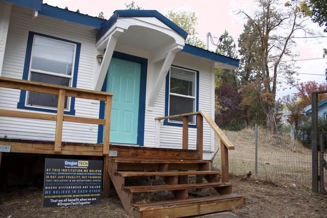1600 Johnson Avenue, Klamath Falls, OR 97601 (MLS #220134321) :: Fred Real Estate Group of Central Oregon