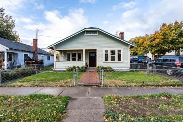 416 S Grape Street, Medford, OR 97501 (MLS #220134330) :: Berkshire Hathaway HomeServices Northwest Real Estate