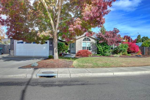325 Willow Bend Way, Central Point, OR 97502 (MLS #220134331) :: Berkshire Hathaway HomeServices Northwest Real Estate