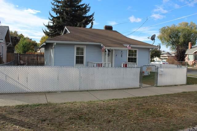 2000 Vine Avenue, Klamath Falls, OR 97601 (MLS #220134348) :: Vianet Realty