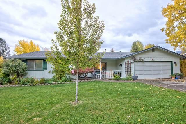 2115 SE Haviland Drive, Grants Pass, OR 97527 (MLS #220134349) :: Vianet Realty