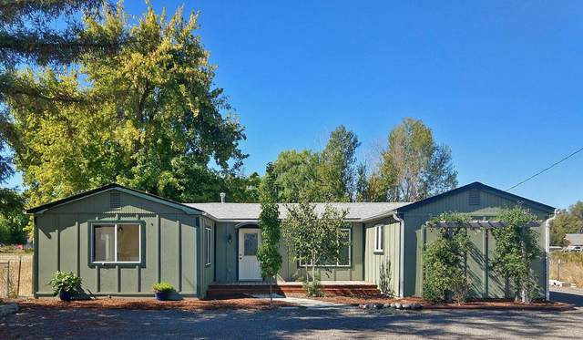 2087 Westwood Drive, Medford, OR 97501 (MLS #220134356) :: Bend Relo at Fred Real Estate Group
