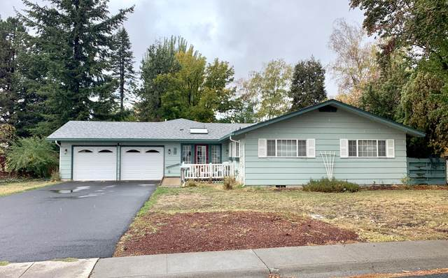 4216 Lombard Drive, Klamath Falls, OR 97603 (MLS #220134361) :: Bend Relo at Fred Real Estate Group