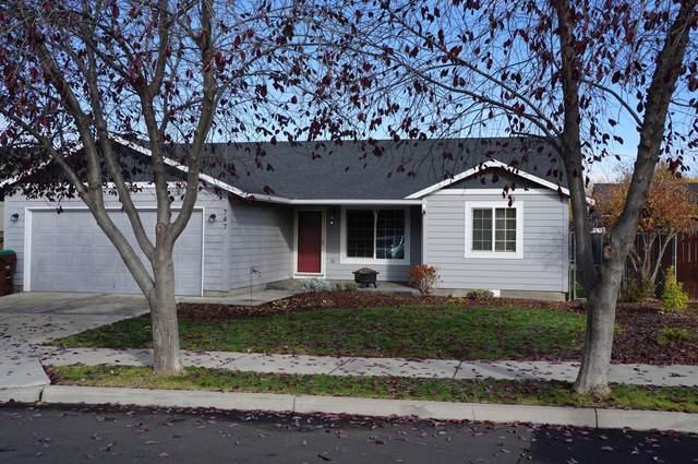 747 NE Black Bear Street, Prineville, OR 97754 (MLS #220134441) :: Fred Real Estate Group of Central Oregon