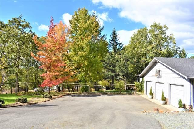 118 Devon Drive, Grants Pass, OR 97527 (MLS #220134486) :: Coldwell Banker Bain