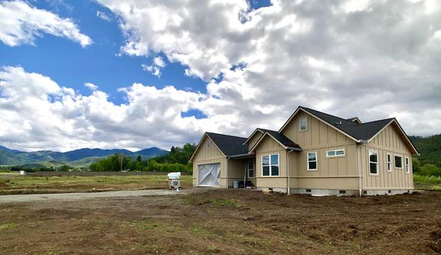 5607 Colver Road, Talent, OR 97540 (MLS #103008041) :: Berkshire Hathaway HomeServices Northwest Real Estate
