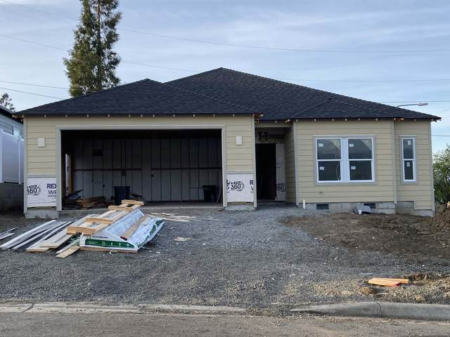 608 Nobility Drive, Medford, OR 97501 (MLS #103009841) :: Berkshire Hathaway HomeServices Northwest Real Estate