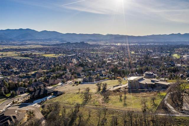 4055 Monte Vista Drive, Medford, OR 97504 (MLS #103011188) :: Windermere Central Oregon Real Estate