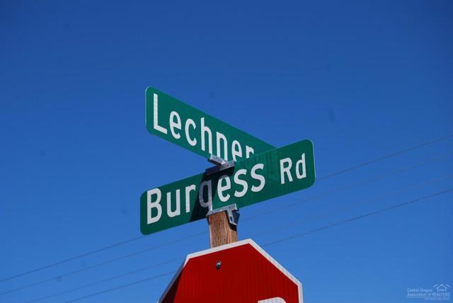 52385 Lechner Lane, La Pine, OR 97739 (MLS #201701014) :: Birtola Garmyn High Desert Realty