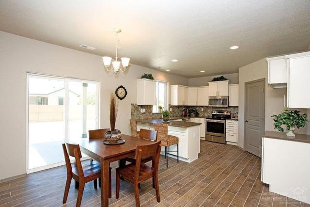 1254 W Hill Avenue, Sisters, OR 97759 (MLS #201701864) :: Birtola Garmyn High Desert Realty