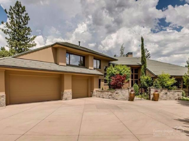 3238 NW Oneil Place, Bend, OR 97701 (MLS #201706668) :: The Ladd Group