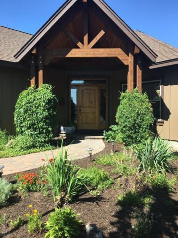350 Vista Rim Drive, Redmond, OR 97756 (MLS #201707138) :: Windermere Central Oregon Real Estate