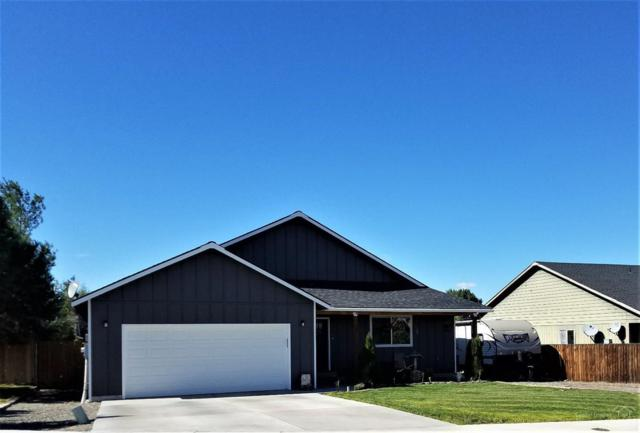 798 NE Black Bear Street, Prineville, OR 97754 (MLS #201709774) :: The Ladd Group