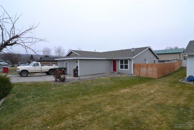 2363 NW Mcdougal Court, Prineville, OR 97754 (MLS #201800142) :: The Ladd Group