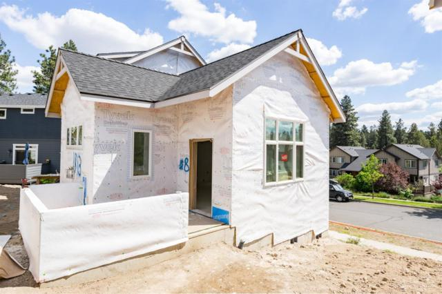 1913 NW Monterey Mews, Bend, OR 97703 (MLS #201800614) :: Pam Mayo-Phillips & Brook Havens with Cascade Sotheby's International Realty