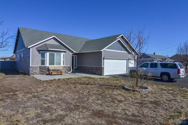 693 NW Smith Rock Way, Terrebonne, OR 97760 (MLS #201801807) :: The Ladd Group