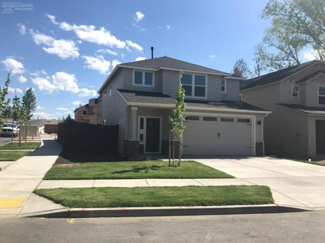 1967 NE Cliff Drive, Bend, OR 97701 (MLS #201801841) :: Pam Mayo-Phillips & Brook Havens with Cascade Sotheby's International Realty
