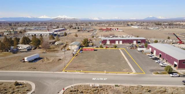 1075 NE 11th Street, Redmond, OR 97756 (MLS #201801912) :: Pam Mayo-Phillips & Brook Havens with Cascade Sotheby's International Realty