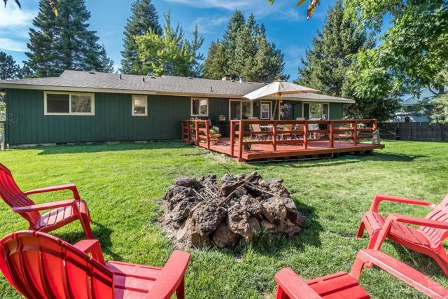 21735 Filly Court, Bend, OR 97702 (MLS #201802211) :: Pam Mayo-Phillips & Brook Havens with Cascade Sotheby's International Realty