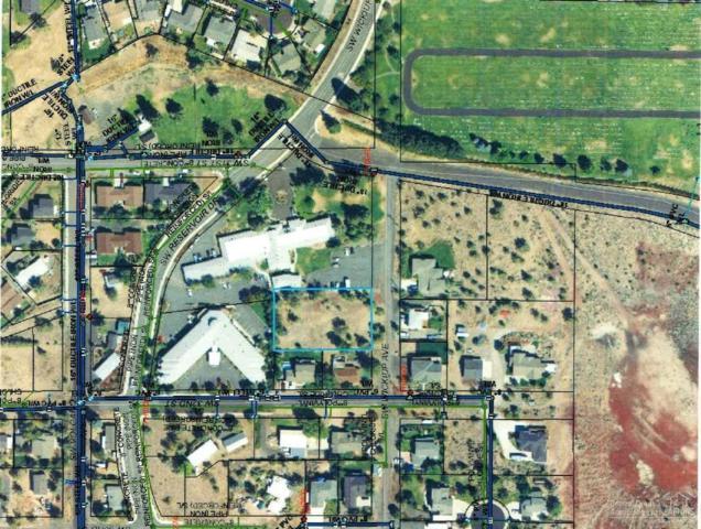 3155 SW Wickiup Avenue, Redmond, OR 97756 (MLS #201802985) :: Team Birtola | High Desert Realty